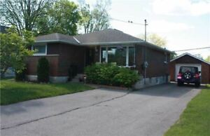 Oshawa 3 bedroom, 2 Washroom (Taunton/Simcoe)  lower level house