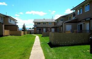 Beautiful 3 Bedroom Furnished Townhouse in Grande Cache