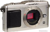Olympus PEN E-P1 M43 camera with 14-42mm lens