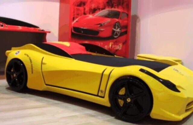 Brand new kids full size Ferrari spider lights/sounds car bed with ...