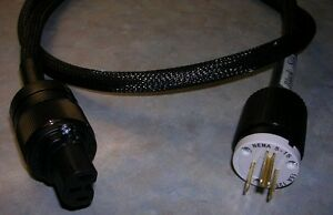 12 Gauge Audiophile mains shielded power cord. New West Island Greater Montréal image 2