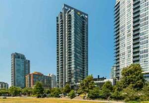 Beautiful 1 bedroom+1 big den +1 office in the heart of downtown