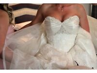 Maggie Sottero wedding dress size 6 professionally cleaned and boxed
