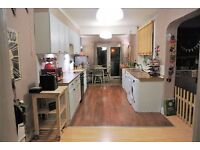 3 bedroom house in Windsor Street, Wolverton, Milton keynes, MK12