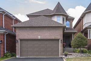 256 Rushbrook Dr - Newmarket - 3 Bed Detached 2 Storey Home