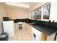 3 bedroom house in Westhill Road, GRIMSBY