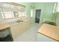 3 bedroom flat in Grimsby Road, Cleethorpes