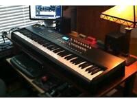 Akai MPK88 pro midi controller keyboard
