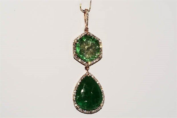 $14,500 20.60ct Natural Hand Carved Emerald & Diamond Dangle Flower Pendant 14k