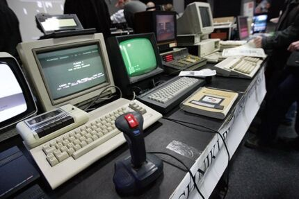 Looking for computers from the 80's to the late 90's early 2k's East Maitland Maitland Area Preview