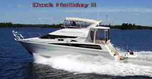 Mint Condition: 2006 CARVER 43 LUXURY MOTOR YACHT