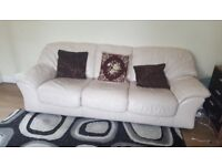 CREAM REAL LEATHER 3 SEATER SOFA AND ARMCHAIR SET GOOD CONDITION CAN DELIVER