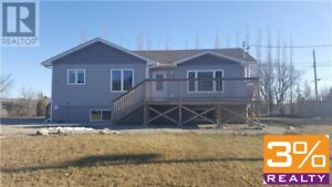 R36//Minnedosa/House w/ views of Minnedosa hills ~ by 3% Realty