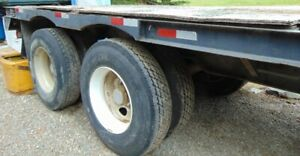 Flat-deck step-neck military semi-Trailer 48 feet with 40 bed