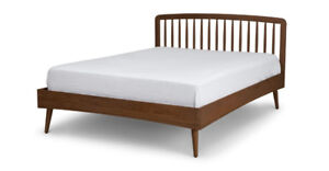 CULLA SPINDLE Walnut Queen Size Bed