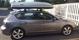 2006 Mazda 3 hatchback with Thule box