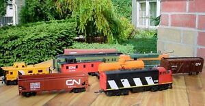 Antique Bachmann HO toy railway cars & engines London Ontario image 2