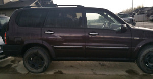 Suzuki XL7 4x4 SUV 2003 with low kms