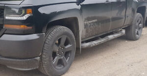 Chevy Silverado Mirrors & Running Boards