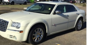 Stunning 2008 AWD Chrysler 300-Series hemi c Sedan