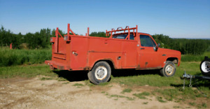 1986 Gmc 2wd 2500 service truck.