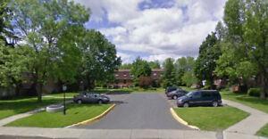 Greenfield Park, maison de ville, 3 chambres et grand sous-sol