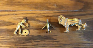 Lot of Gold Toned Vintage Brooches/Pin.