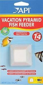 Pyramid fish feeder