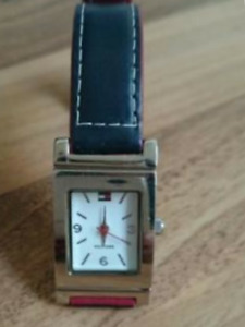Tommy hilfiger reversible strap womens watch
