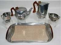 Picquot Ware Vintage Elegant 5 piece tea set from the 1950/1960