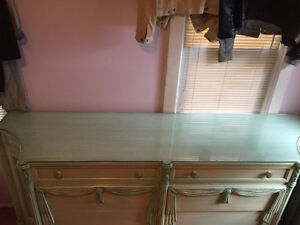 Over 100 yrs old Antique Bedroom Set, MINT CONDITION