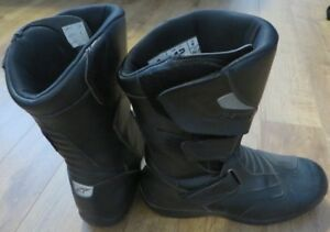 Alpinestars Roam 2 waterproof motorcycle boots. Men's size 8.