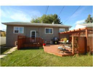 West Central, Pet Friendly, 4 Bedroom House with Fenced Yard and