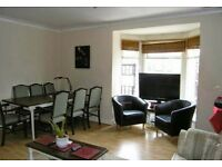 Lovely 2 x equal Double Bedroom Flat / Apartment Granada Road, Southsea & Parking near to Sea Front