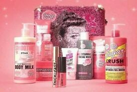 Soap and Glory The Whole Glam Lot Limited Edition Gift Set - NEW