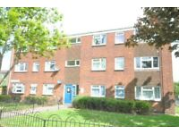2 bedroom flat in Pinewood Crescent, Grimsby