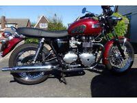 865cc Triumph Bonneville Maroon 2009