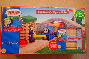Thomas the Tank Engine Conductors Figure 8 Set - NEVER OPENED