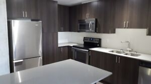 BACHELOR/1 BEDROOM AND 1 BEDROOM+LRG DEN!! APPLY TODAY