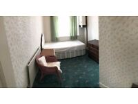 1 x SINGLE ROOM TO RENT IN UPNEY !! very close to station ref #1035