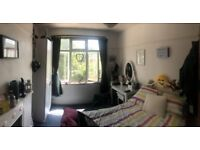 Lovely Double Room to rent in Streatham, Houseshare with 2 lovely people