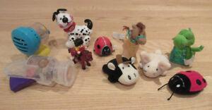 Ensemble de petits jouets à manipuler