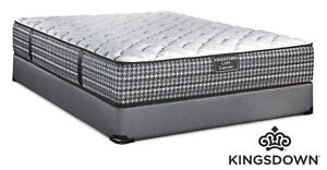 kingsdown carver - Queen sized mattress and box spring- like new