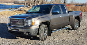 2011 GMC Sierra 1500 4x4 SLT-5.3L V8, 6.5 ft box