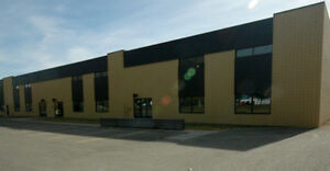 FOR LEASE: Warehouse w/ Yard in Foothills - 5,000-10,000SF