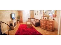 2 bed house with garden, loft and parking