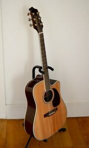 Takamine EG334SC acoustic-electric with Solid Spruce Top, Ovanko