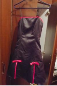 Robe noire et rouge de marque MAJORA