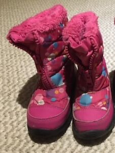 Children's pink winter boots - size 10