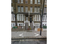 West Hampstead: Large one bedroom flat